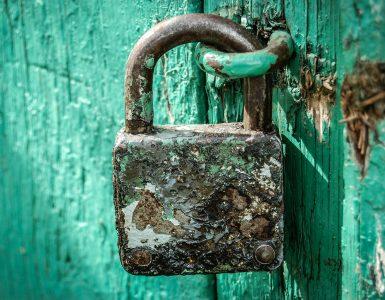 Če v resničnem svetu ne uporabljamo univerzalnega ključa za vse ključavnice, zakaj ga na spletu? Vir: Pixabay