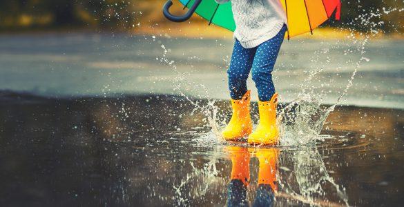 Skakanje po luži. Vir: Pixabay
