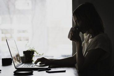 Kako se na spletu spoznavaš in dejtaš s tistimi, ki jih ne poznaš v živo. Vir: Pixabay