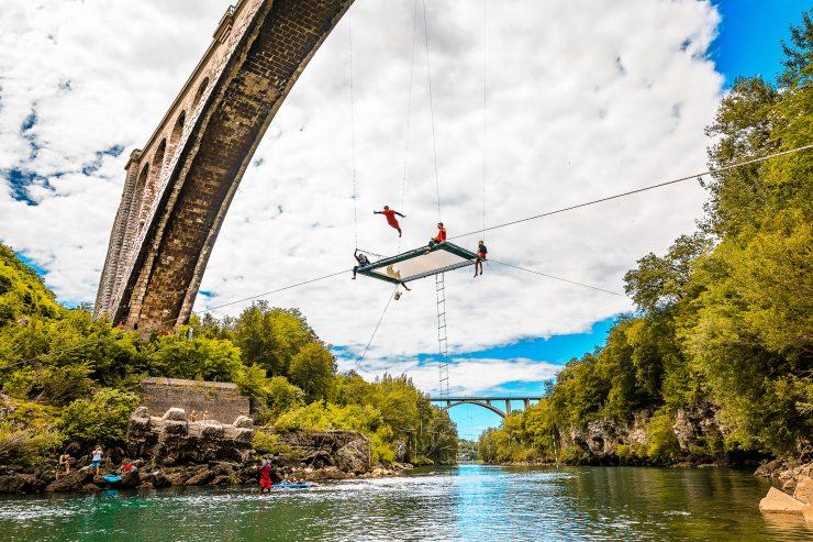 Dunking Devils so pod Solkanski most obesili olimpijski trampolin. Foto: Miha Godnič