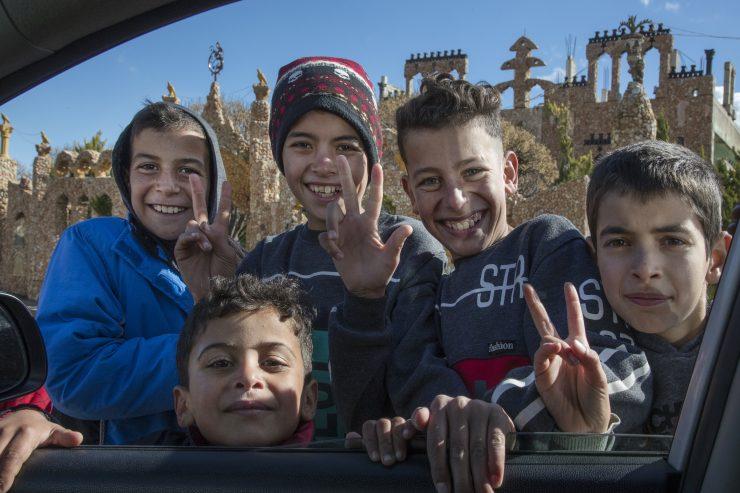 Otroci v Bejrutu. Foto: Iztok Bončina