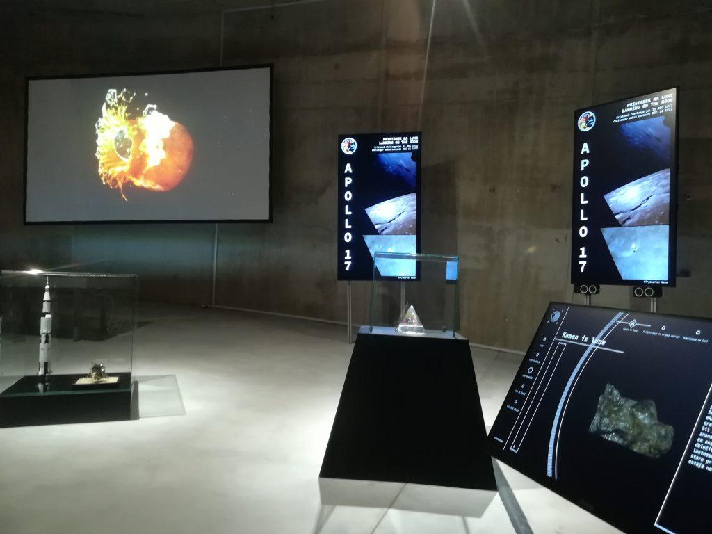 V Centru vesoljskih tehnologij so razstavo popestrili z multimedijskimi vsebinami. Vir: Center Noordung