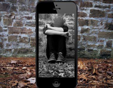 Nevarnost zlorab prek spleta se je v koronačasih povečala, pravijo strokovnjaki. Vir: Pixabay