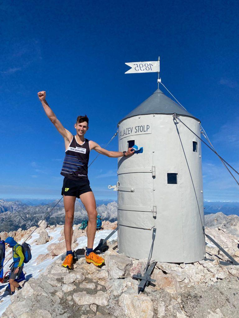 Timotej je letos poleti na Triglav iz doline Krma pritekel v rekordnem času – v uri, 26 minutah in 45 sekundah. Vir: Osebni arhiv