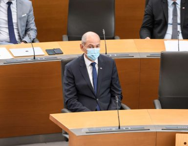 Predsednik vlade Janez Janša na septembrskem zasedanju državnega zbora. Foto: Nebojša Tejić/STA