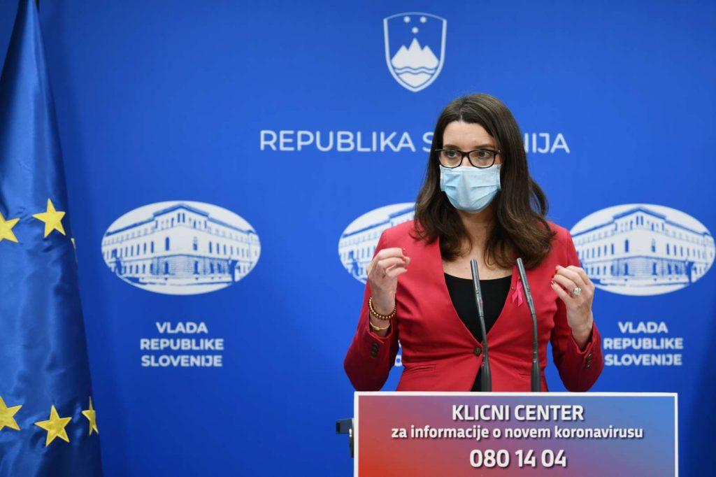 Ministrica za izobraževanje, znanost in šport Simona Kustec. Foto: Tamino Petelinšek/STA