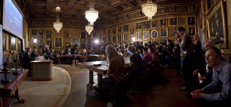 Dvorana, v kateri so pred novinarji razkrili letošnje dobitnike Nobelove nagrade za fiziko. Foto: Markus Marcetic