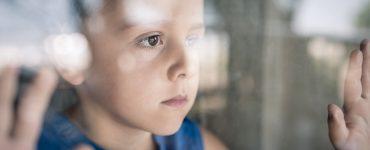 Otroci so zaradi epidemije v hudi stiski. Vir: Adobe Stock