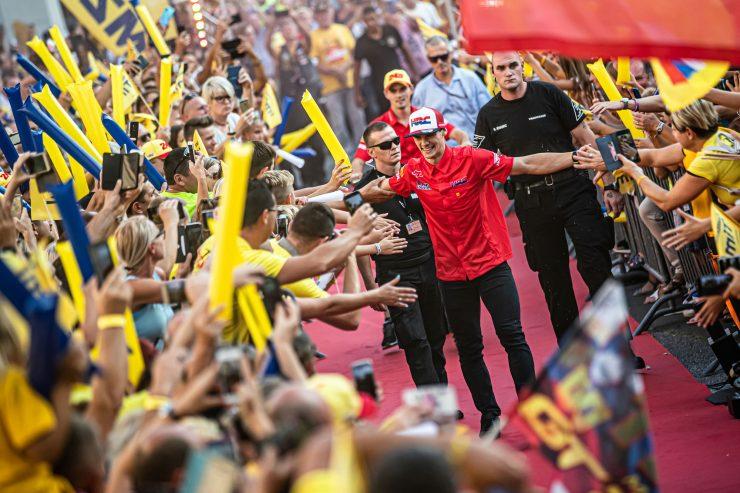 Sprejem za Tima Gajserja, ko je leta 2019 postal svetovni prvak. Foto: Uroš Modlic/AMZS