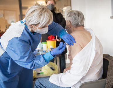 Cepljenje v Rogaški Slatini. Foto: Bor Slana/STA