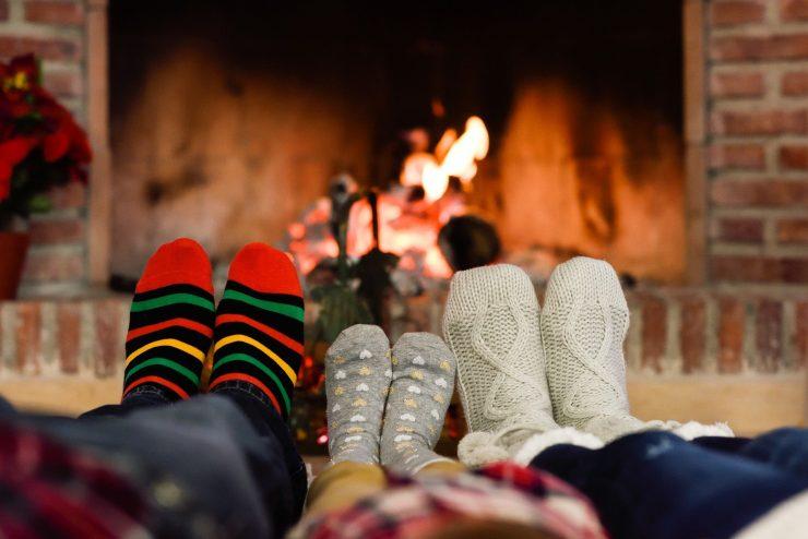 Tudi toplo družinsko vzdušje nas lepo pogreje. Vir: Pixabay