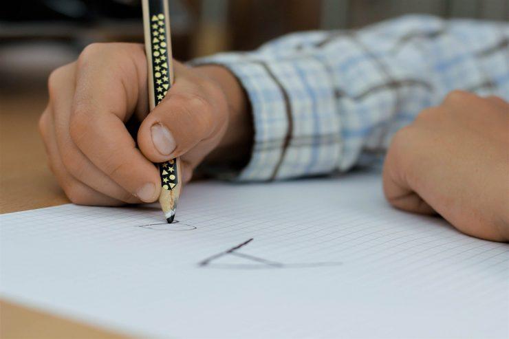 Pismo morajo v tem tednu napisati vsi učenci in ga odposlati nekomu, ki mu je blizu, še opisuje Mojca A. Juras. Vir: Pixabay