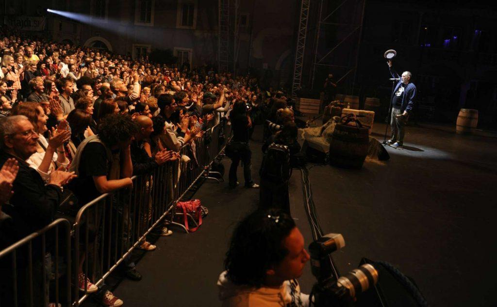 Đoletovi koncerti so bili skoraj vedno razprodani, tako kot ta leta 2011 v Križankah. Foto: Nebojša Tejić/STA