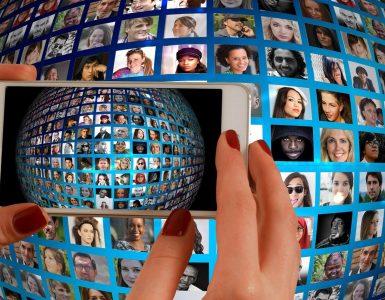 Preden fotografijo objavimo, pridobimo dovoljenje oseb na njej. Če objave ne želijo, to upoštevamo. Preprosto, ali ne? Vir: Pixabay