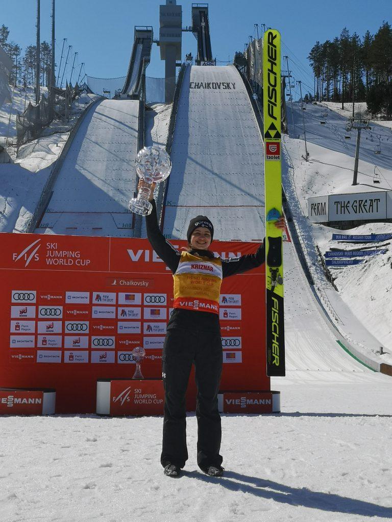 Nika Križnar je po odpovedi finalne serije postala zmagovalka skupnega seštevka svetovnega pokala. Foto: Smučarska zveza Slovenije