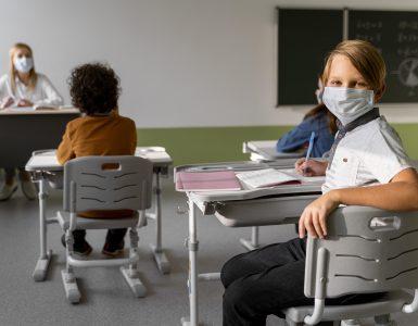 Otroci redkeje zbolijo za koronavirusom. Če že zbolijo. pa se soočajo z manj zapleti. Vir: Freepik