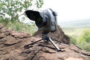 Eden od fotoaparatov, s katerimi je fotografiral črnega leoparda. Foto: Will Burrard-Lucas