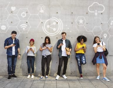 Mladinska konferenca bo osredotočena na participacijo mladih. Vir: Freepik