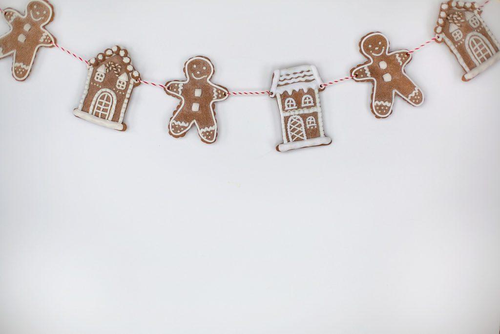 Četrtošolci iz Šentjošta na Gregorjevo spominjajo tudi medenjaki. Vir: Pixabay