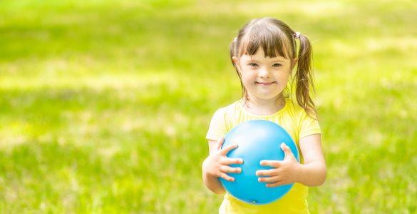 Gibanje je pomembno tudi za otroke s posebnimi potrebami. Vir: Adobe Stock