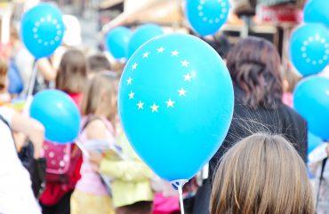 Projekt Šola ambasadorka Evropskega parlamenta je Anji odprl mnoga vrata. Vir: Freepik