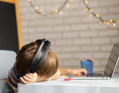 Gotovo pa je imelo to leto odraščanja v zelo drugačnih razmerah opazen vpliv na otroke. Vir: Freepik