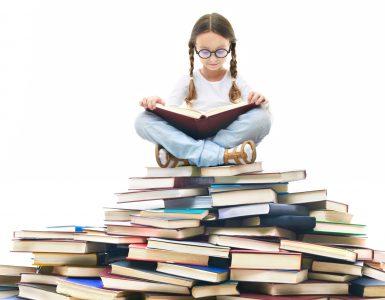 Organizatorji Fabule bodo v sklopu programa Mlada Fabula v svet literature popeljali tudi najmlajše. Vir: Freepik