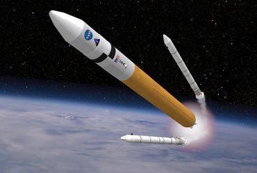 Deli rakete ob vzletu v vesolje odpadejo. Vir: Flickr