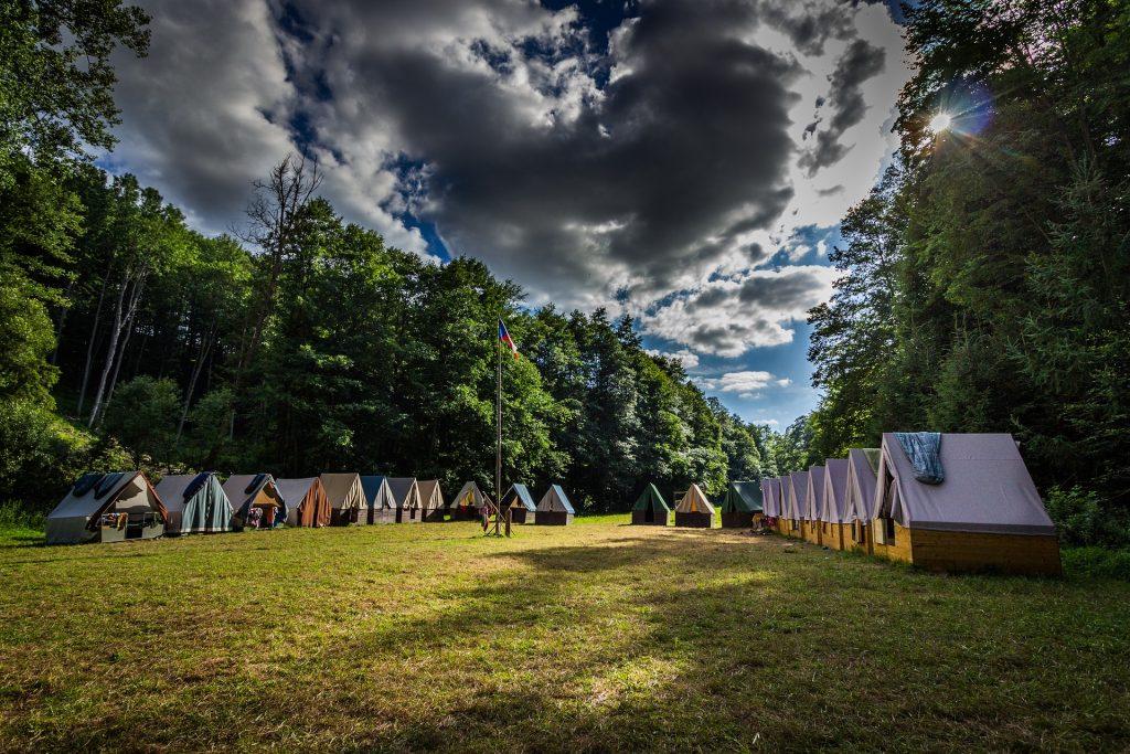 Tudi taborniki so se morali prilagoditi koronakrizi. Lansko poletje so taborjenja odpadla, kako bo letos, pa še nihče ne ve. Vir: Pixabay