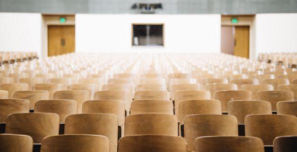 Na nekatere izobraževalne programe se je sprva prijavilo zelo malo kandidatov ali celo nihče. Vir: Unsplash