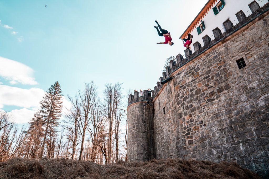 Slovijo po svoji neustrašnosti in skokih z vrtoglavih višin. Vir: Dunking Devils