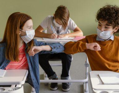 Šolsko leto 2020/21 je zaznamoval novi koronavirus. Vir: Freepik
