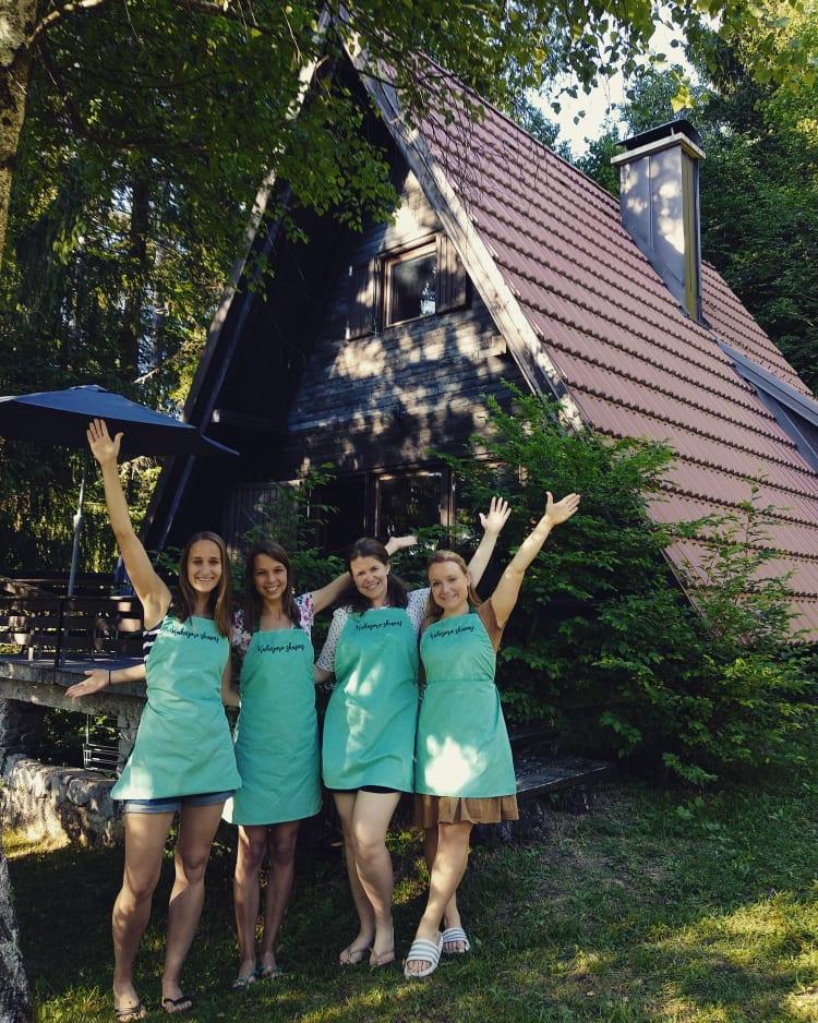Štiri prostovoljke. Vir: arhiv Slovenske karitas