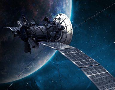 Sateliti krožijo okoli Zemlje, s prostim očesom so videti kot premikajoče zvezdice. Vir: Pixabay