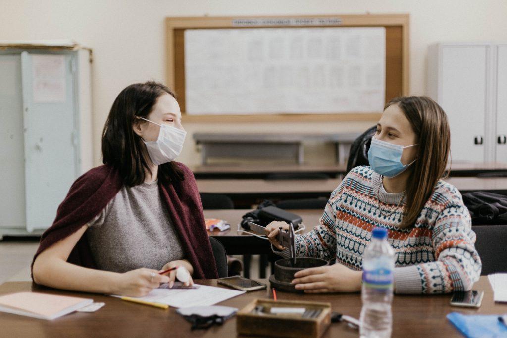 Nošenje mask v šoli. Vir: Unsplash