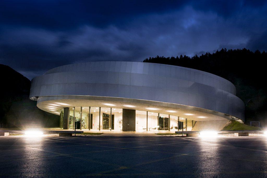 Center vesoljskih tehnologij Hermana Noordunga ponoči. Vir: arhiv Centra Noordung