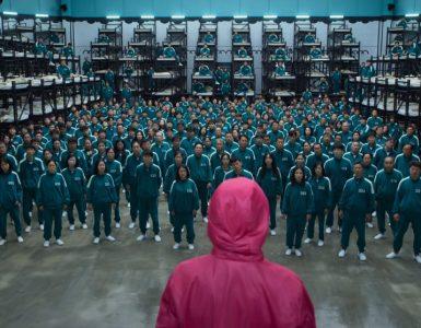 V zadnji od šestih južnokorejskih iger, z naslovom Igra lignja, se 456 tekmovalcev poteguje za visoko denarno nagrado. Vir: Netflix